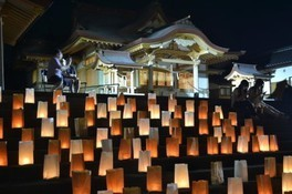 伊佐智佐神社六月灯