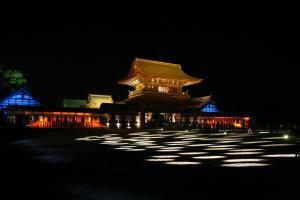 国宝瑞龍寺 春のライトアップと門前市