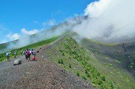 頂上を目指さない富士山ツアー2018「宝永火口~水ヶ塚ロングトレッキング」