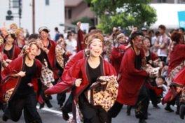 烏城夏まつり:岡山城一帯。うらじゃパレード・総おどり:岡山市内各公園、市役所筋、他