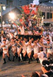 オイサ、オイサの掛け声とともに博多の街を疾走