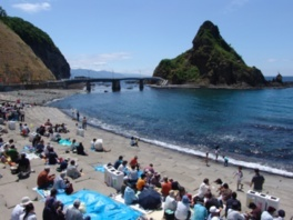 【2020年営業中止】盃海水浴場