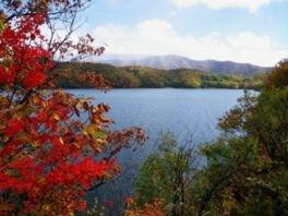裏磐梯高原(桧原湖付近)の紅葉