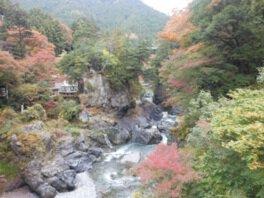 鳩ノ巣渓谷の紅葉