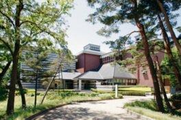 佐久市立近代美術館 油井一二記念館