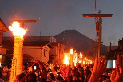 【2020年中止】吉田の火祭り・すすき祭り