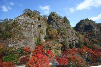 国民宿舎「古岩屋荘」・岩屋寺周辺の紅葉