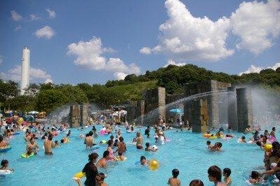 【2020年プール営業中止】京都府立山城総合運動公園(太陽が丘)ファミリープール