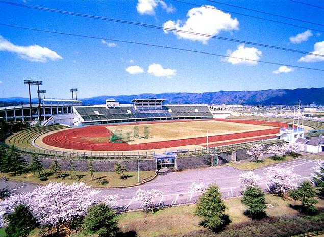 福井県営陸上競技場