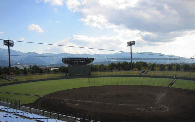 小瀬スポーツ公園山日YBS球場
