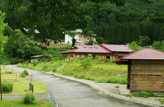 さくら街道 白川郷ひらせ温泉キャンプサイト