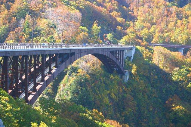 城ヶ倉渓流の紅葉