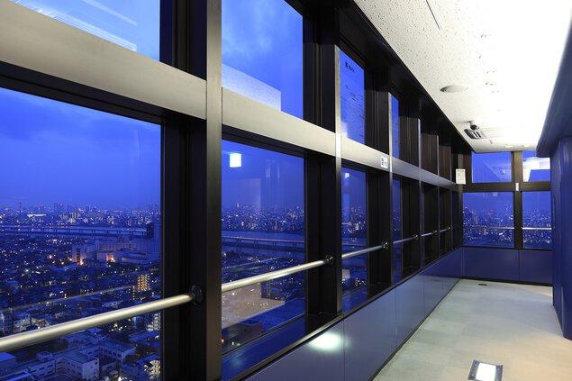 タワーホール船堀 展望室の夜景