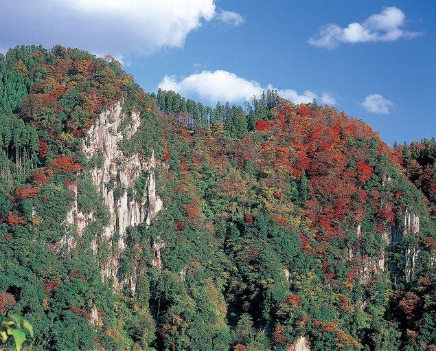 響渓谷の紅葉