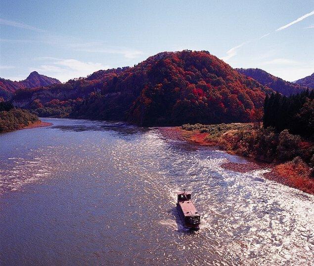 阿賀野川ライン舟下りの紅葉