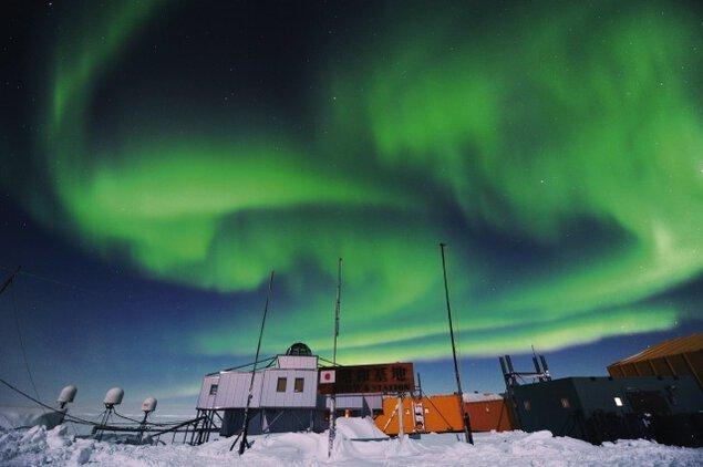 南極の不思議な世界を見てみよう展