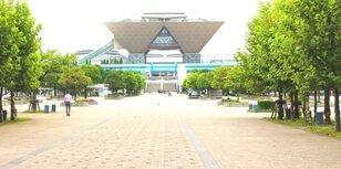 環境を考える市民の会フリーマーケット 国際展示場駅前(4月)