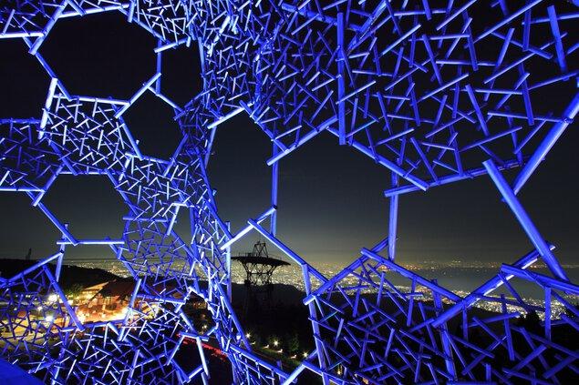 六甲ガーデンテラス 自然体感展望台 六甲枝垂れの夜景