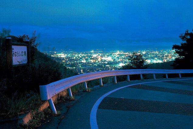 和田峠(みはらし広場)の夜景