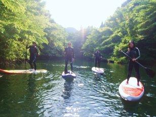 新緑の湖で楽しむ はじめてレイクSUP体験 碓氷軽井沢