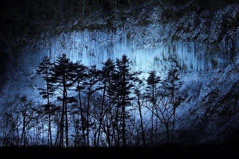 白川氷柱群ライトアップ