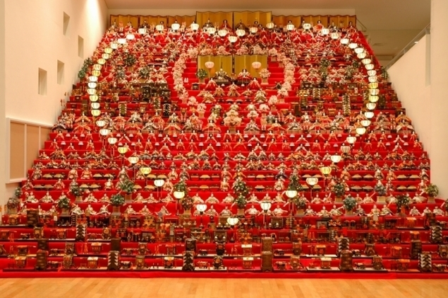 三十段飾り 千体の雛祭り