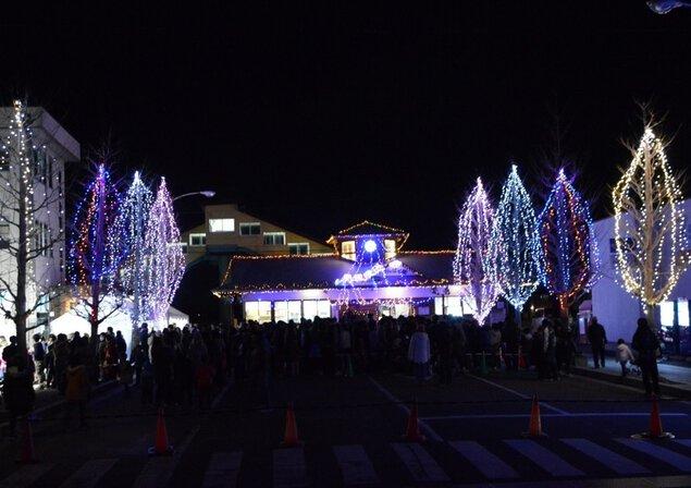 JR陸前豊里駅前のイルミネーショ...