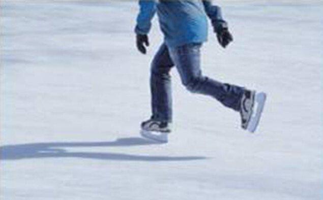 期間限定スケートリンク