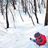 親子で歩くブナ雪原「鹿俣山スノーハイク」
