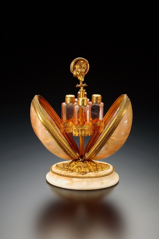 香水瓶の至宝~祈りとメッセージ~
