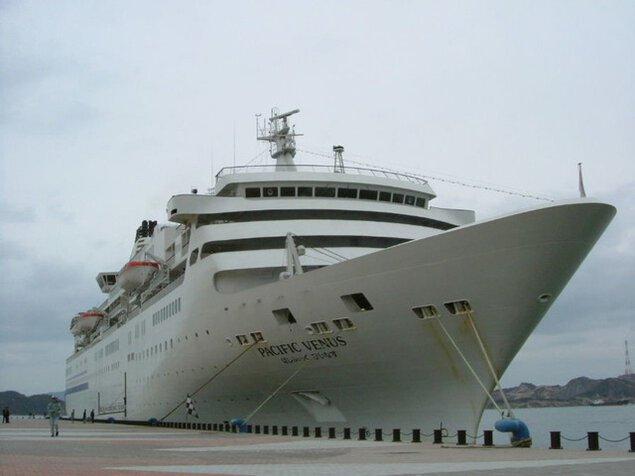 宇野港第一突堤大型客船バース(クルーズポートウノ)入港「ぱしふぃっくびいなす」