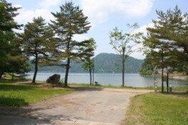 沼沢湖畔キャンプ場