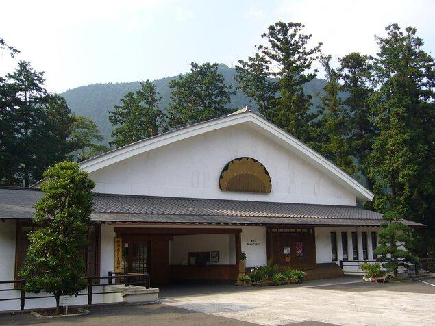 澤乃井 櫛かんざし美術館