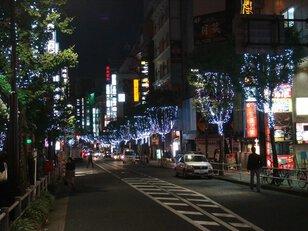 新宿歌舞伎町区役所通り