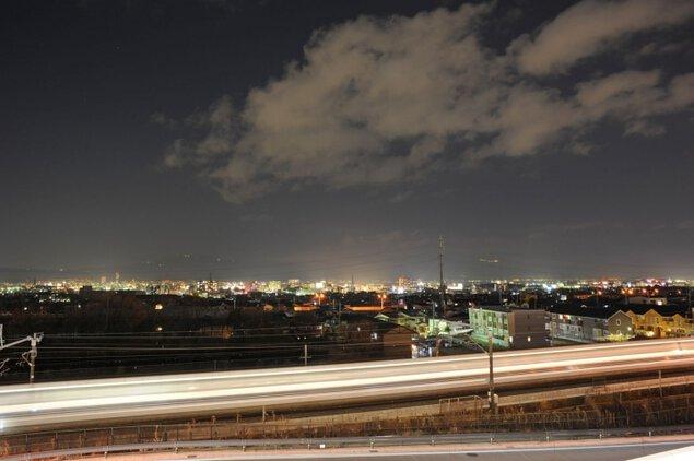 フォレオ大津一里山 新幹線展望テラスの夜景
