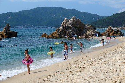 【2020年営業中止】水晶浜海水浴場