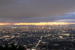 信貴生駒スカイライン 鐘の鳴る展望台の夜景