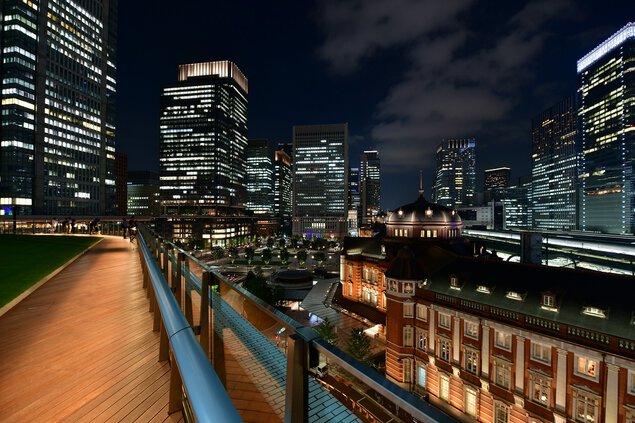 屋上庭園「KITTEガーデン」の夜景