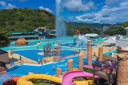 日本モンキーパーク 水の楽園モンプル