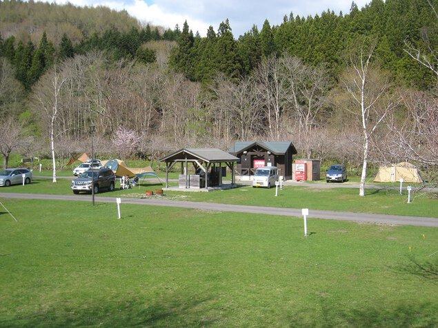 湯の沢水辺公園キャンプ場