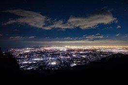 池田山パラ・ハンググライダー発進基地の夜景