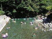 神之川キャンプ場・マス釣り場