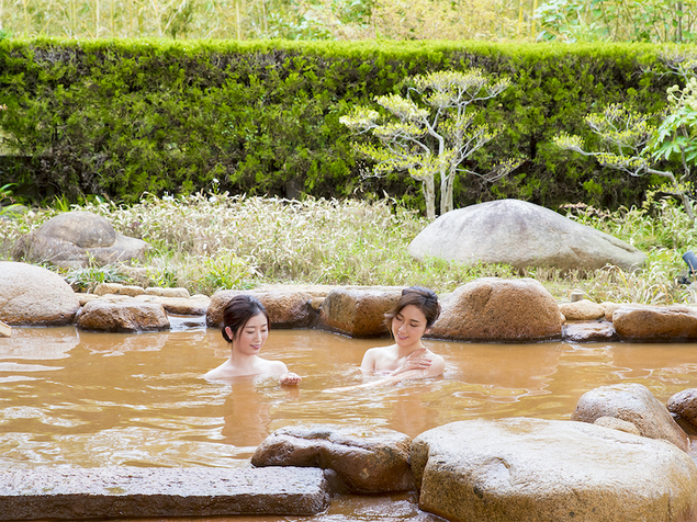 三の湯では金泉露天風呂とジャグジーが楽しめる