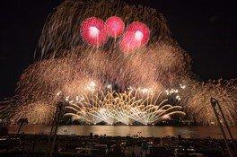 東京湾・浦安芸術花火 特別企画 QUEEN SUPER FIREWORKS 〜夜空のラプソディ〜 画像(3/5)