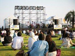 「あおぞらステージ」では地元アーティストのステージなどが楽しめる(画像はイメージ)