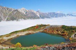 秋の八方尾根は雲海が見られる日も多い